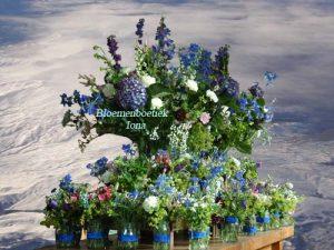 Tafel bloemen op locatie bestellen