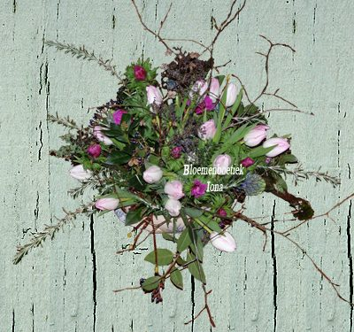 Paasbloemen/bloemenboetiek Iona