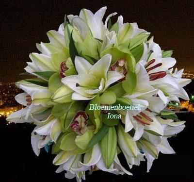 trouwboeket met lelies bloemenboetiek Iona