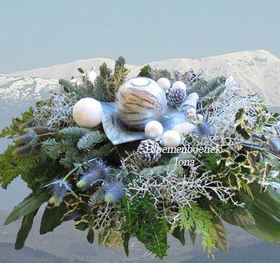 Vierkant kerststuk bestellen Bloemendaal