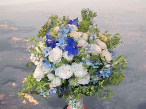 Bruidsboeket bestellen bij Bloemenboetiek Iona
