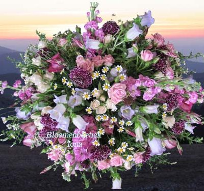 Uitvaart bloemstuk bestellen bij Bloemenboetiek Iona