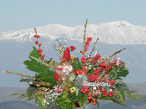 Rood bloemen kerststuk/Bloemendaal